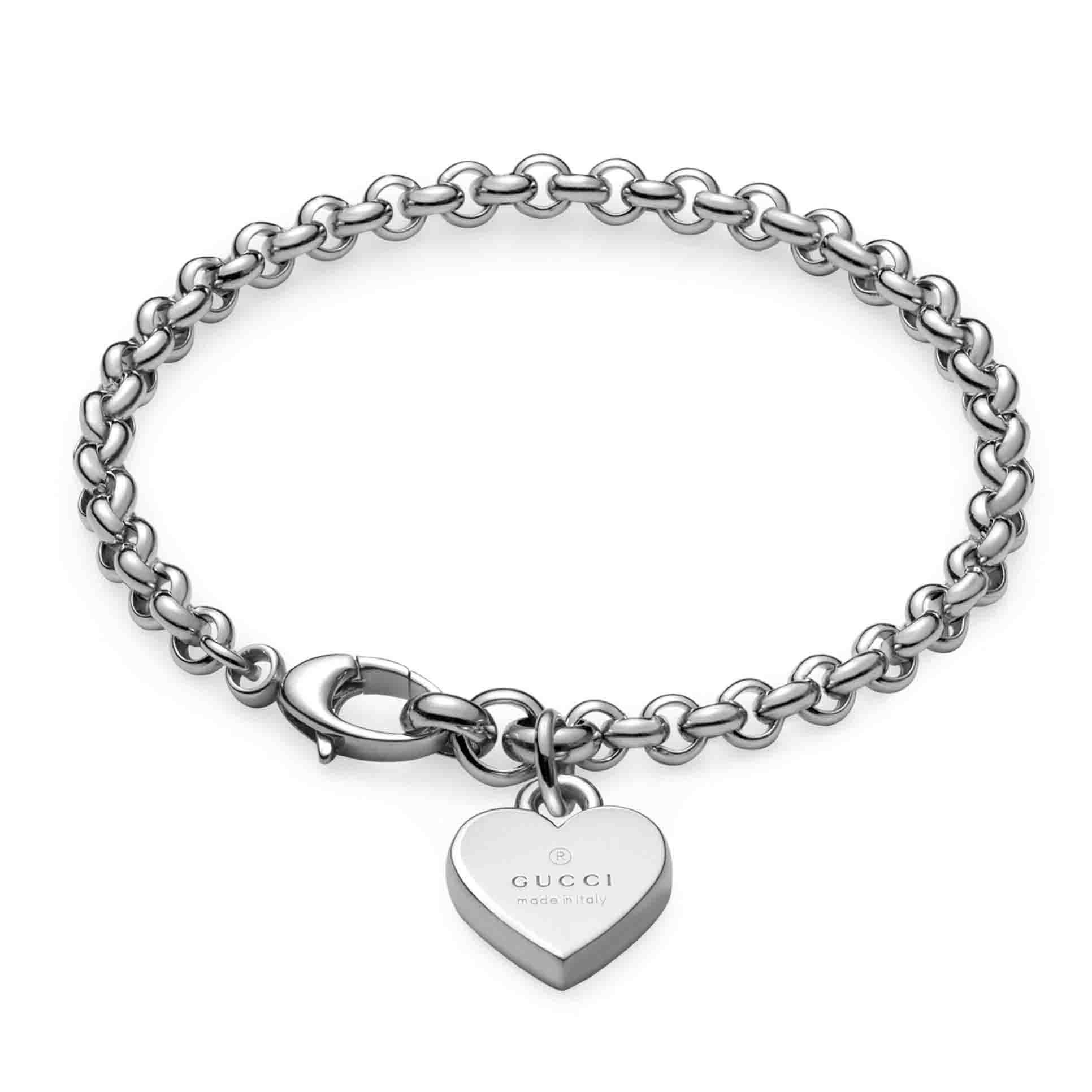 3c3117d87 YBA356210001. bracciale con cuore inciso. Gucci Trademark in argento